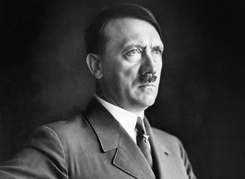 Szczoteczka do wąsów Hitler zabierał w każdą podróż /AFP /AFP