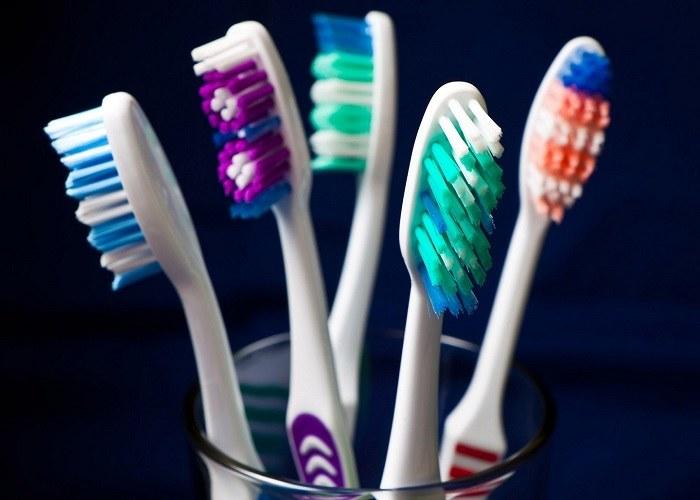 szczoteczka do zębów /© Photogenica
