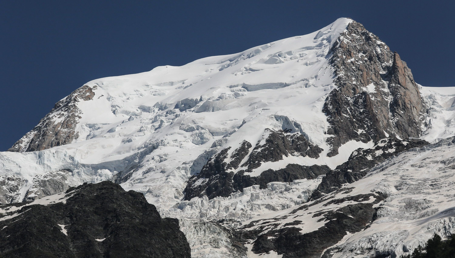 Szczyt Mont Blanc widziany od strony północnej /Darius JF /PAP/EPA