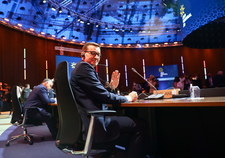 Szczyt UE w Porto. Europa podzielona w sprawie szczepionek