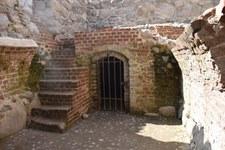 Szczytno. Obrabowali zamek, zbierając łupy z podłogi. Ukradli 150 złotych