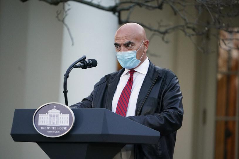 Szef amerykańskiego programu szczepień na COVID-19 dr Moncef Slaoui /MANDEL NGAN / AFP /AFP