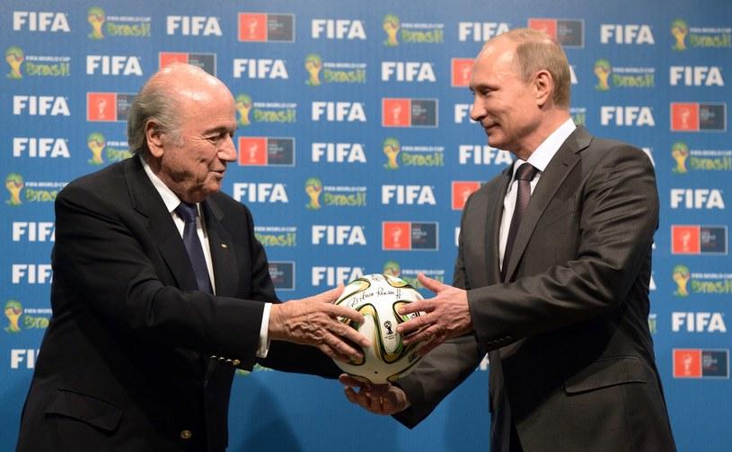 Szef FIFA Sepp Blatter i prezydent Rosji Władimir Putin /AFP