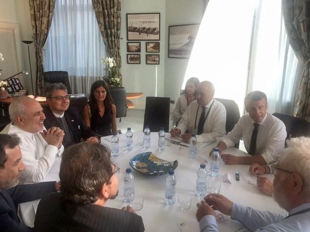 Szef irańskiej dyplomacji Mohammad Dżawad Zarif na szczycie G7 /Handout /PAP/EPA
