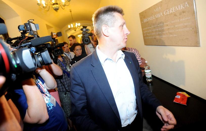 Szef klubu PSL Jan Bury w drodze na spotkanie z ministrem spraw wewnętrznych Bartłomiejem Sienkiewiczem /Bartłomiej Zborowski /PAP