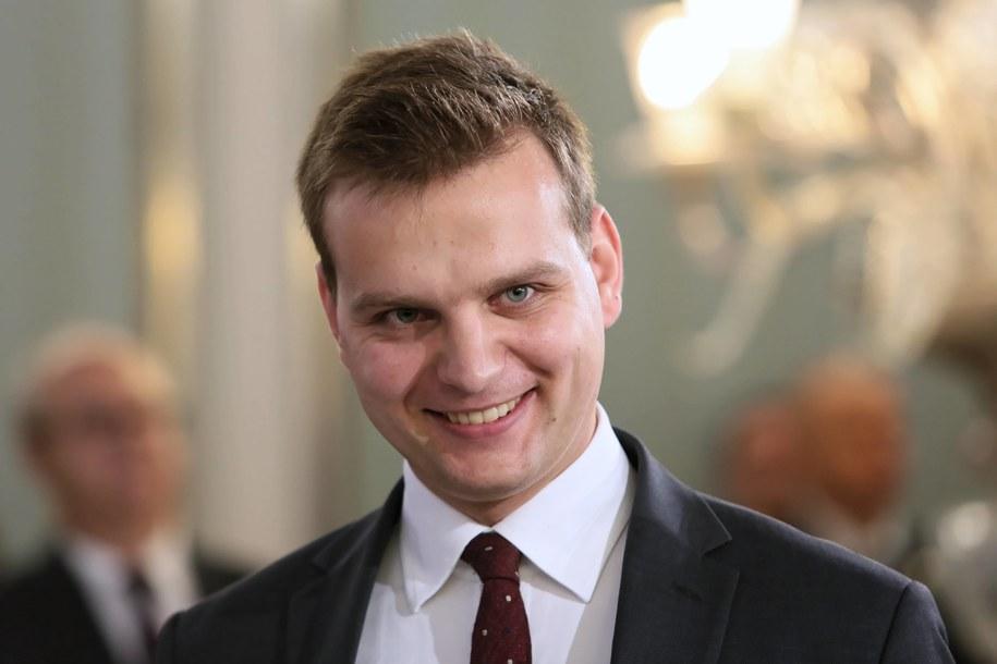 Szef koła Konfederacja Jakub Kulesza zapowiedział złożenie wniosku o wotum nieufności dla ministra finansów / Leszek Szymański    /PAP