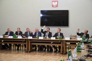 Szef komisji śledczej chce Trybunału Stanu dla Tuska, Kopacz, Rostowskiego i Szczurka