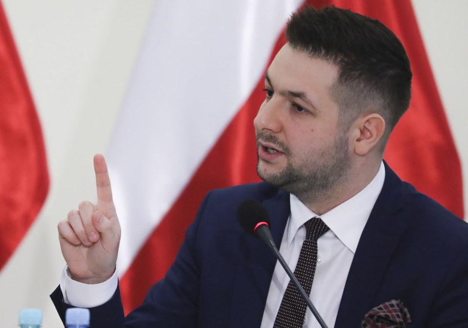 Szef komisji weryfikacyjnej ds. reprywatyzacji, wiceminister sprawiedliwości Patryk Jaki /Tomasz Gzell   /PAP
