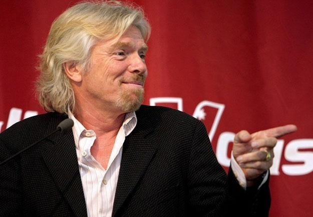 Szef koncernu Virgin Richard Branson to prawdziwy ewenement wśród gwiazd biznesu /AFP