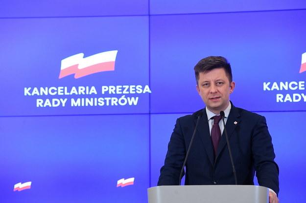 Szef KPRM Michał Dworczyk podczas konferencji prasowej po posiedzeniu rządowego zespołu zarządzania kryzysowego ws. koronawirusa / Radek Pietruszka   /PAP