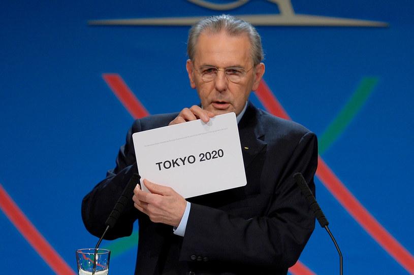 Szef MKOl Jacques Rogge informuje o wyborze Tokio na gospodarza igrzysk /AFP