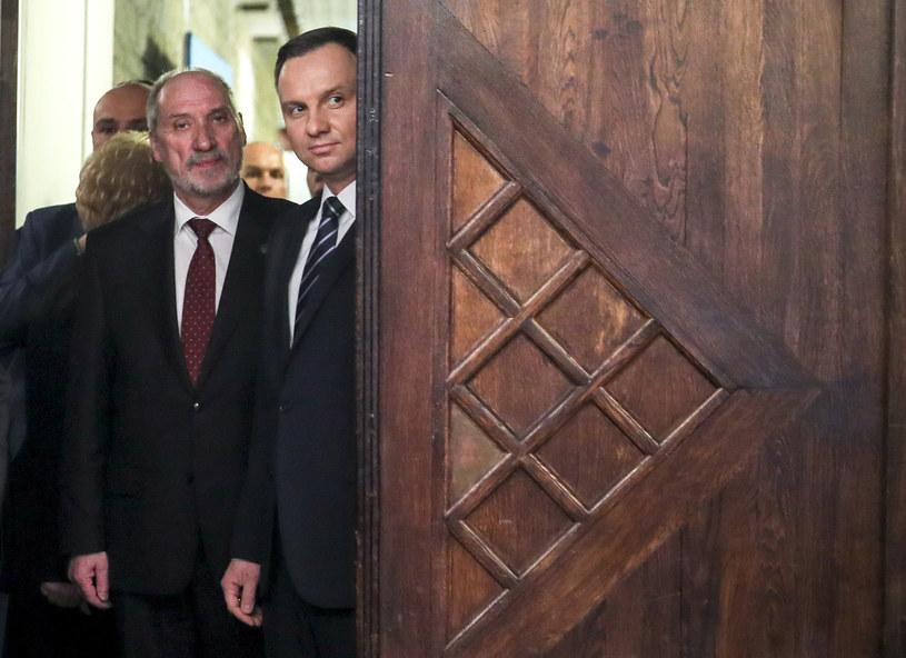 Szef MON Antoni Macierewicz i prezydent Andrzej Duda /Andrzej Iwańczuk /East News