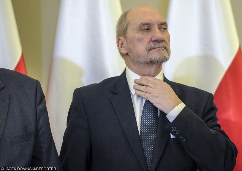 Szef MON Antoni Macierewicz /Jacek Dominski/REPORTER /East News