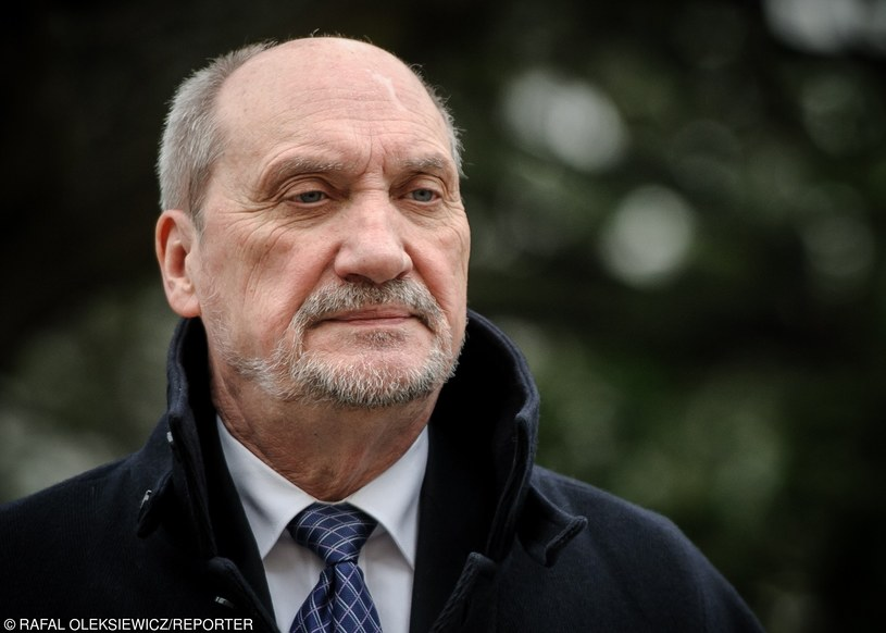 Szef MON Antoni Macierewicz /Rafal Oleksiewicz/REPORTER /East News
