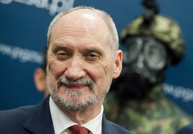Szef MON Antoni Macierewicz /Rafał Oleksiewicz /East News
