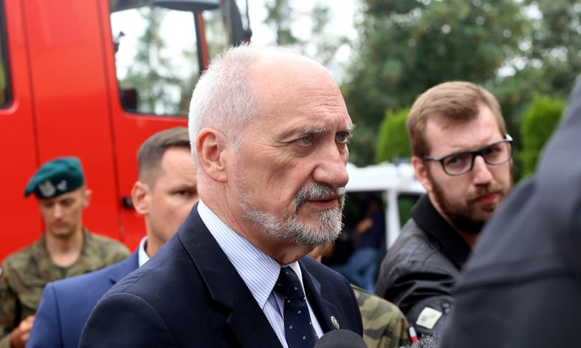 Szef MON Antoni Macierewicz /Fot. Aleksander Knitter  /Reporter