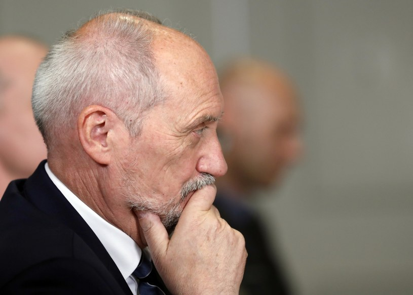 Szef MON Antoni Macierewicz /AP Photo/Alex Brandon /East News