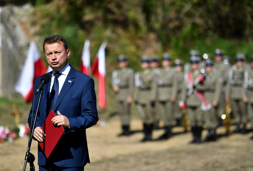 Szef MON Mariusz Błaszczak w Pomiechówku /Mateusz Jagielski /East News