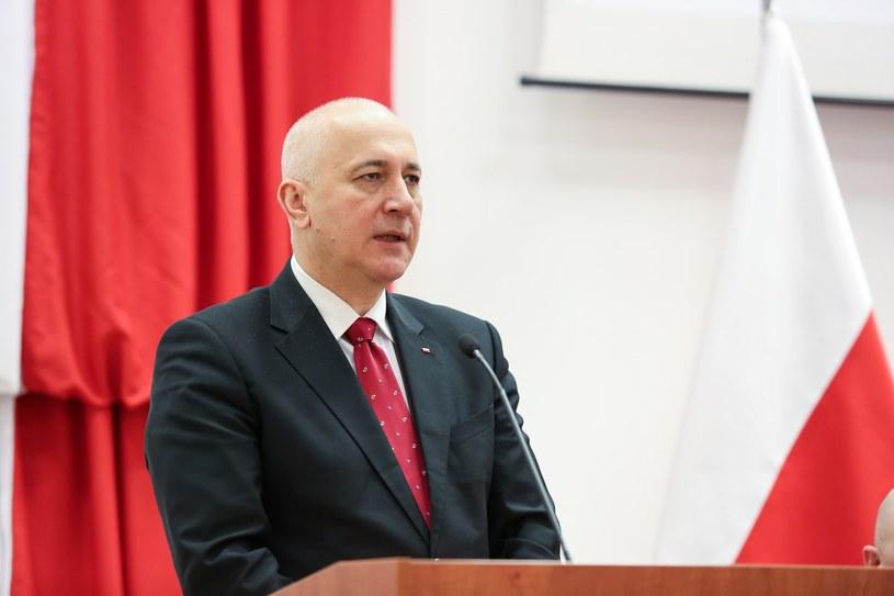 Szef MSWiA Joachim Brudziński /Tomasz Kawka /East News