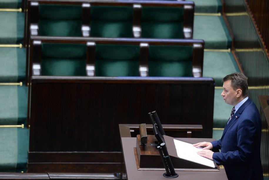 Szef MSWiA Mariusz Błaszczak przedstawia w Sejmie projekt ustawy o Służbie Ochrony Państwa /Jacek Turczyk /PAP