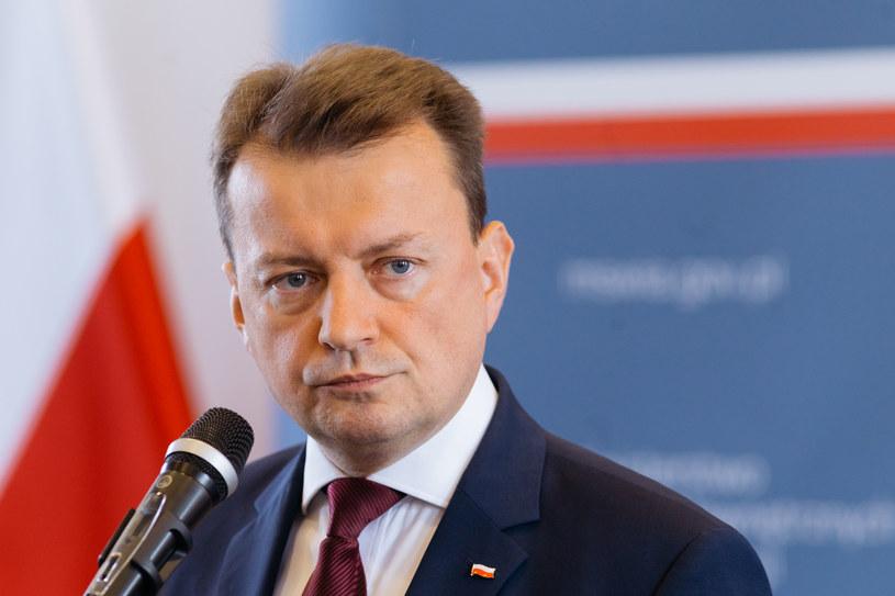 Szef MSWiA Mariusz Błaszczak /Adam Guz /East News