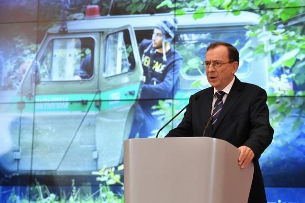 Szef MSWiA Mariusz Kamiński podczas konferencji prasowej nt. stanu wyjątkowego na terenach graniczących z Białorusią, 6 września /Piotr Nowak /PAP