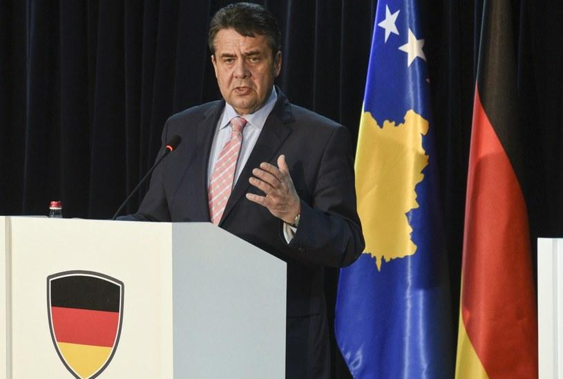 Szef niemieckiego resortu spraw zagranicznych Sigmar Gabriel /PETRIT PRENAJ  /PAP/EPA