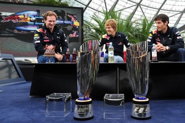 Szef Red Bulla, Christian Horner i obaj kierowcy /AFP