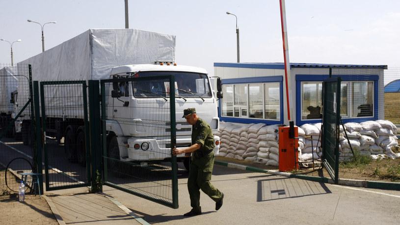 Szef SBU twierdzi, że wjazd rosyjskiego konwoju to wtargnięcie na Ukrainę /AFP