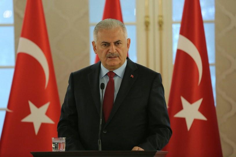 Szef tureckiego rządu Binali Yildrim /PAP/EPA