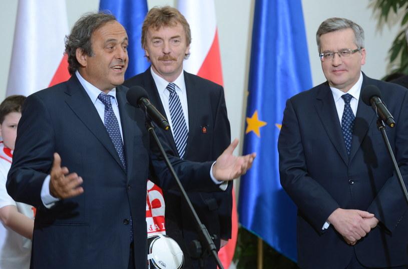 Szef UEFA Michel Platini, prezes PZPN Zbigniew Boniek i prezydent RP Bronisław Komorowski /fot. Jacek Turczyk /PAP