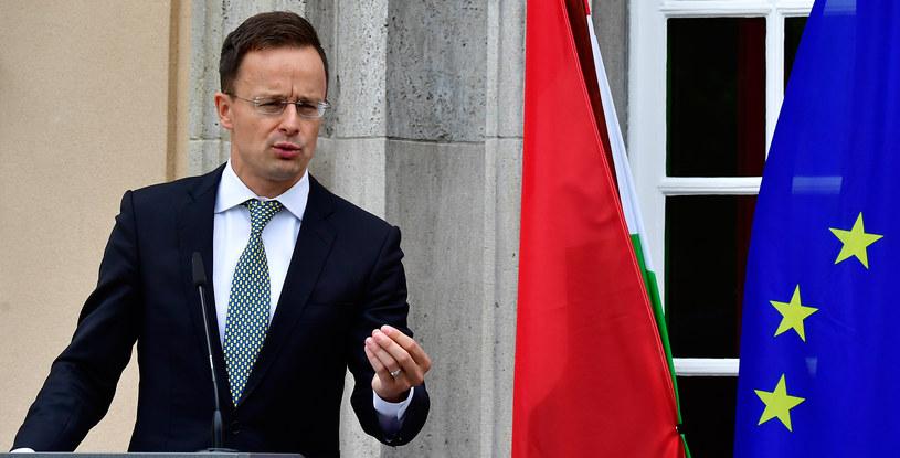 Szef węgierskiej dyplomacji Peter Szijjarto zapowiedział w zeszłym tygodniu zawetowanie każdej propozycji, która oznaczałaby sankcje przeciw Polsce /TOBIAS SCHWARZ /AFP