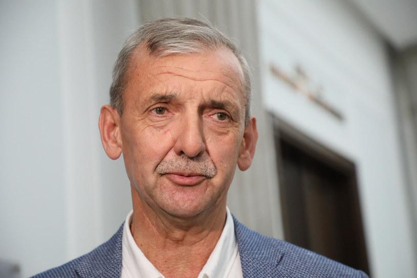 Szef ZNP Sławomir Broniarz komentuje zaplanowane na poniedziałek otwarcie przedszkoli i żłobków. / Jakub Kamiński    /East News