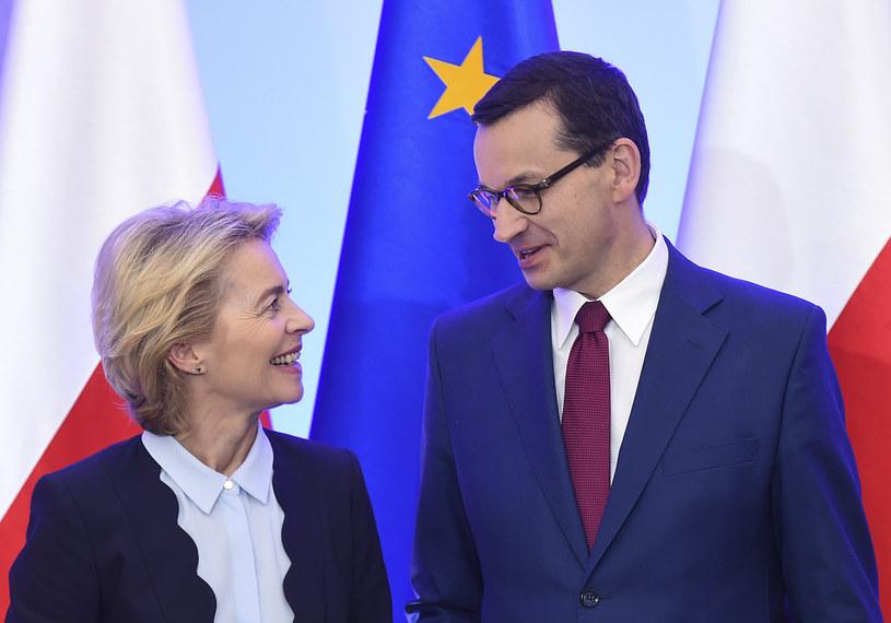Szefowa KE Ursula von der Leyen i premier Mateusz Morawiecki /JANEK SKARZYNSKI / AFP /AFP