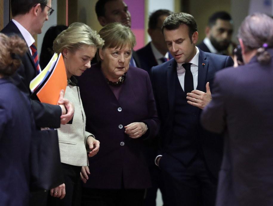 Szefowa Komisji Europejskiej Ursula von der Leyen, kanclerz Niemiec Angela Merkel i prezydent Francji Emmaneul Macron podczas unijnego szczytu w Brukseli /OLIVIER HOSLET /PAP/EPA