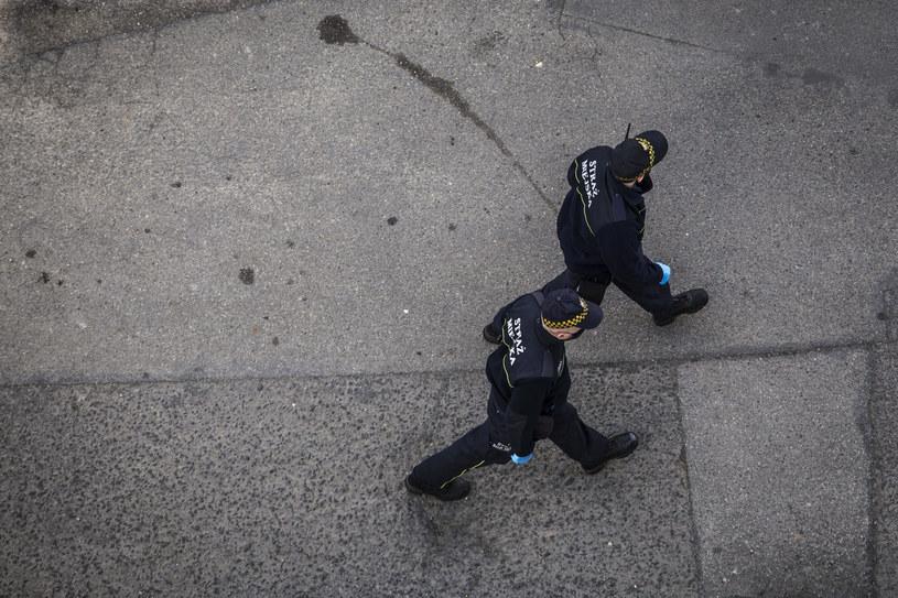 Szersze uprawnienia strażników mogą się przełożyć na wyższe wpływy do samorządowych budżetów /Dominik Gajda /Reporter