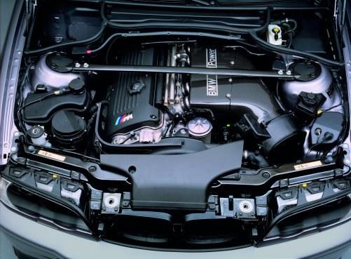 Sześciocylindrowy silnik 3.2 miał problemy z trwałością panewek korbowodowych. Usunięto je w 2003 r. /BMW