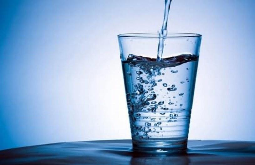 Szklanka wody /© Photogenica