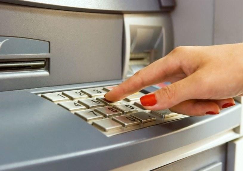 Szkodliwe narzędzia do hakowania bankomatów znane są od wielu lat /123RF/PICSEL