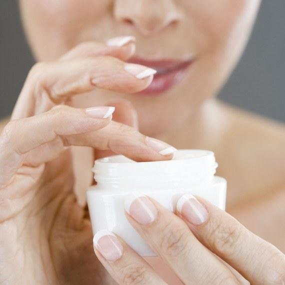 szkodliwe składniki w kosmetykach - krok 1 /© Photogenica