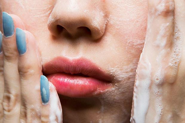 szkodliwe składniki w kosmetykach - krok 9 /© Photogenica
