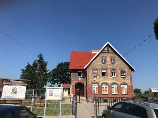 Szkoła, do której chodziła zamordowana Kristina /Mateusz Czmiel /RMF FM