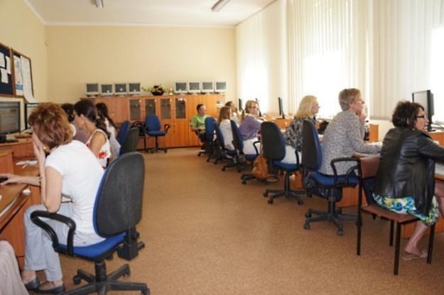 Szkoła Nowych Technologii to projekt edukacyjny, realizowany w ramach międzynarodowego programu Micr /Komputer w Firmie