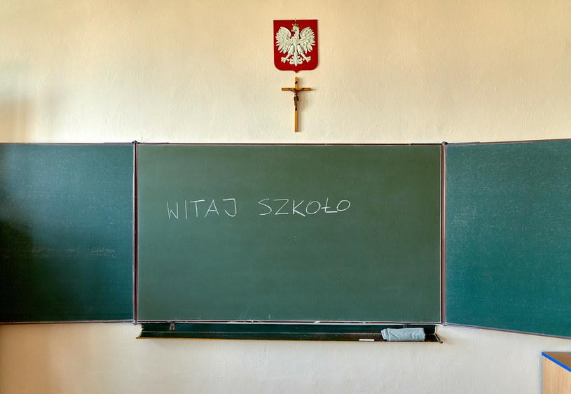 """Szkoła zabrania """"podejmowania aktywności seksualnej"""", zdj. ilustracyjne /Julian Sojka /East News"""