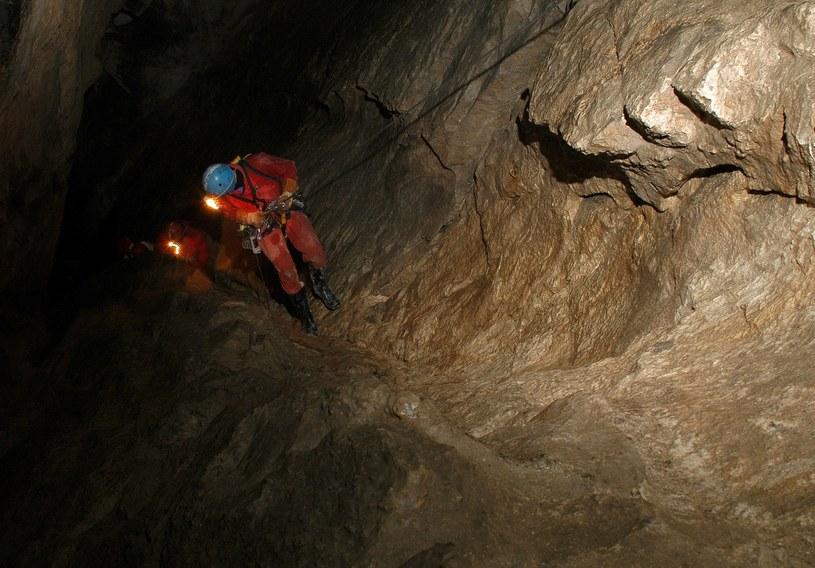 Szkolenie TOPR w ratownictwie jaskiniowym. Zdj. ilustracyjne /MARCIN JOZEFOWICZ/REPORTER /East News