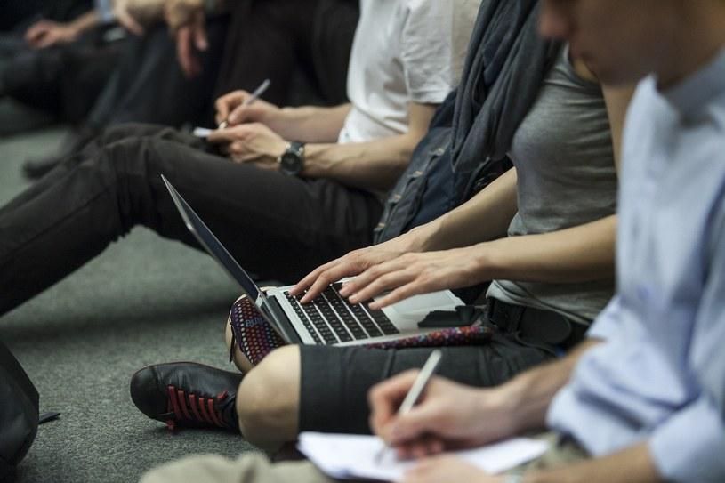 Szkoły w trakcie rekrutacji będą chciały przyciągnąć jak najlepszych studentów /Szymon Blik /Reporter