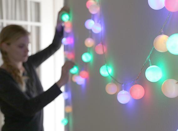 Sznur świątecznych lampek /© Photogenica