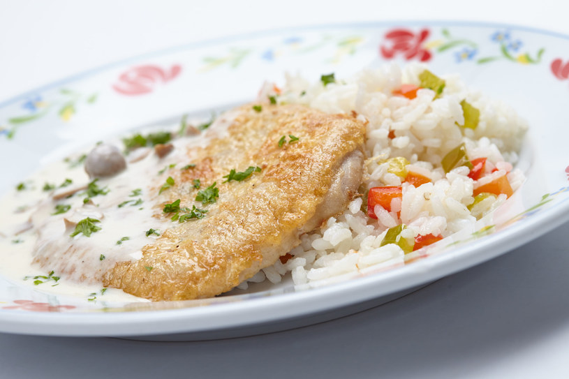 Sznycel z ryżem /123RF/PICSEL