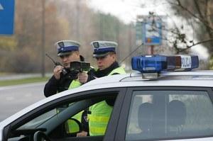 """Szok. Sąd  """"zjechał"""" policję  za bezsensowne  łapanki radarowe"""