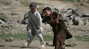 """""""Szokująca przemoc wobec dzieci w konfliktach zbrojnych"""". Niepokojący raport UNICEF"""